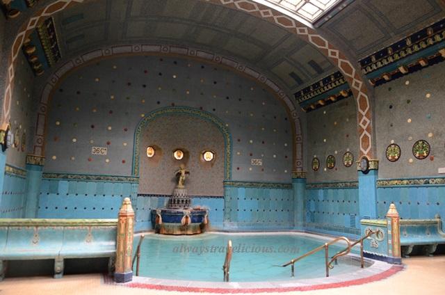 Gellert Baths Review @ Budapest, Hungary - Always Travelicious !